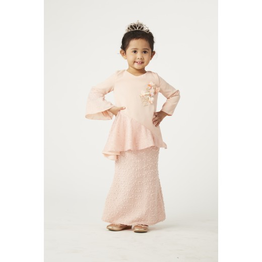 Je Voudrais Kurung Set in Peach
