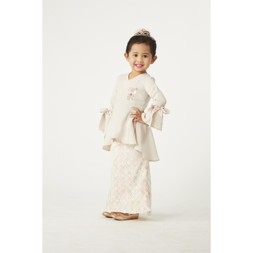 Ma Poupee Peplum Kurung Set in Light Pink