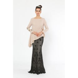 Mon Tresor Kurung in Champagne and Black