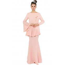 Madamoisell Kurung in Peach